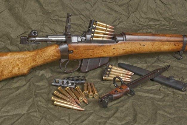 lee_enfield__303_rifle__by_afromatrix007- Silvercore
